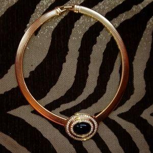 Trifari 16 1/2 in necklace